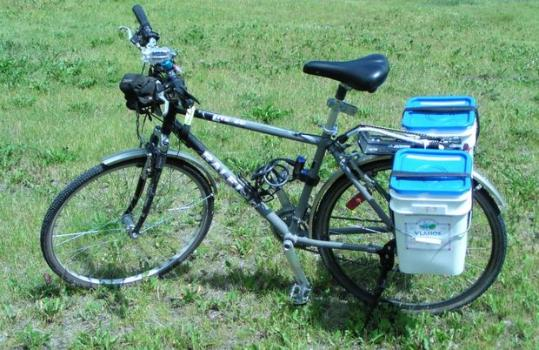Bike Pannier with buckets from Intructables