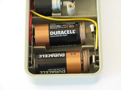 Evil Mad Scientist shows how to turn C batteries into D Batteries
